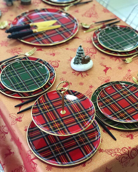 Scottish Red Serving Stand - Thumbnail